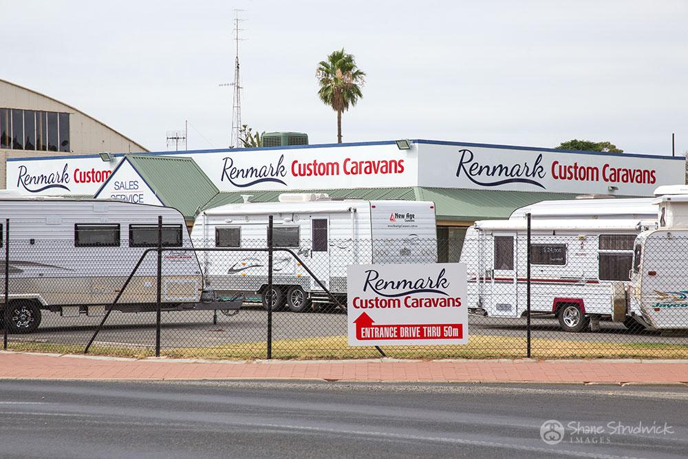 Renmark Custom Caravans Signage