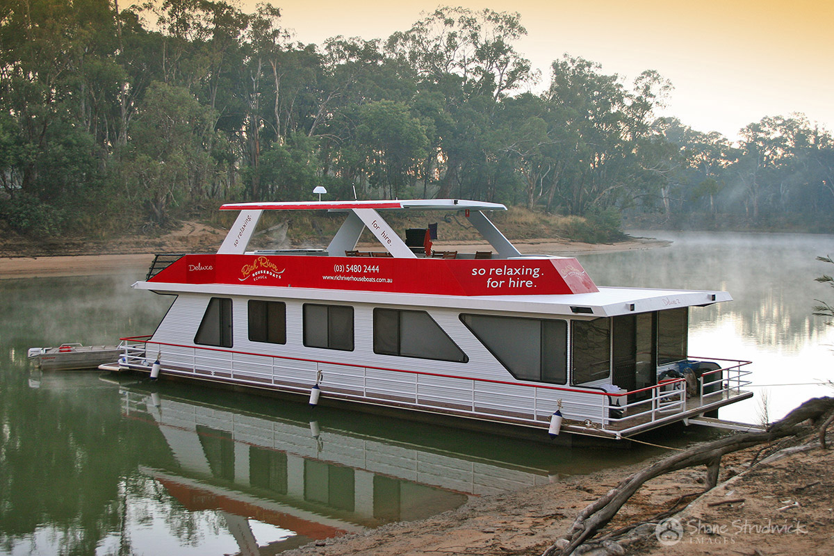 Rich River Houseboats Echuca
