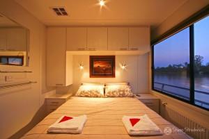 Shane-Strudwick-Images-Houseboats-12