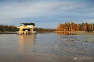 Shane-Strudwick-Images-Houseboats-15