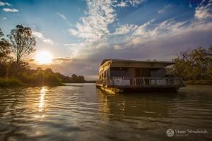 Shane-Strudwick-Images-Houseboats-25