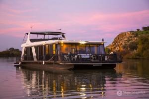 Shane-Strudwick-Images-Houseboats-29