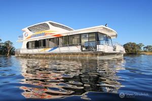 Shane-Strudwick-Images-Houseboats-8